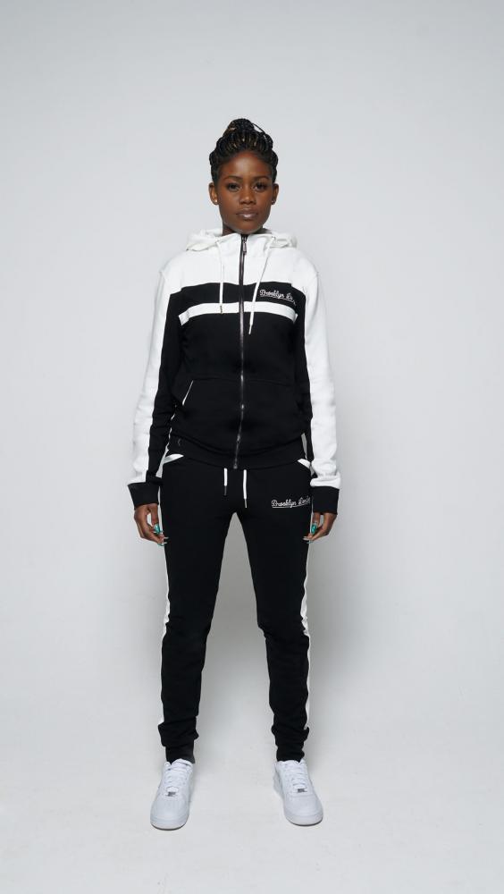 black-and-white-6-1500x2662